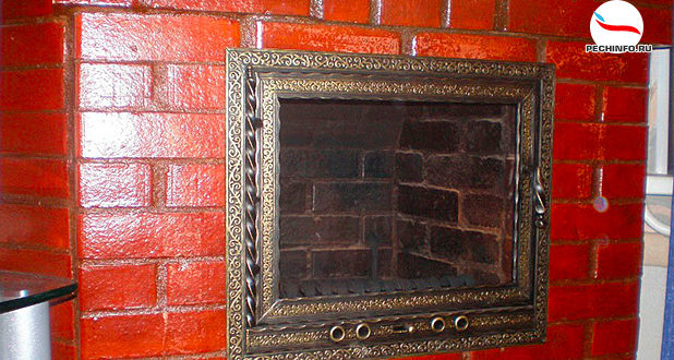 Кирпичная печь, покрытая лаком